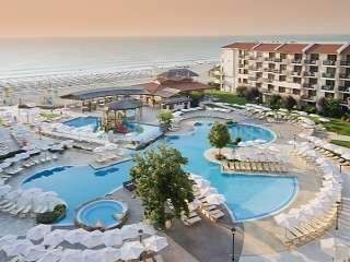 Нощувка Ultra All Inclusive на човек в хотел Мирамар, Обзор